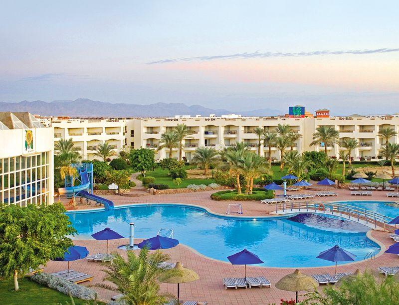 Отель Aurora Oriental Resort 5* считается одним из лучших для семейного отдыха