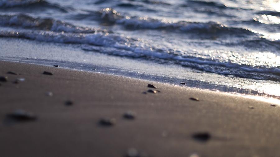 Пляж с серым песком Вик, Исландия.