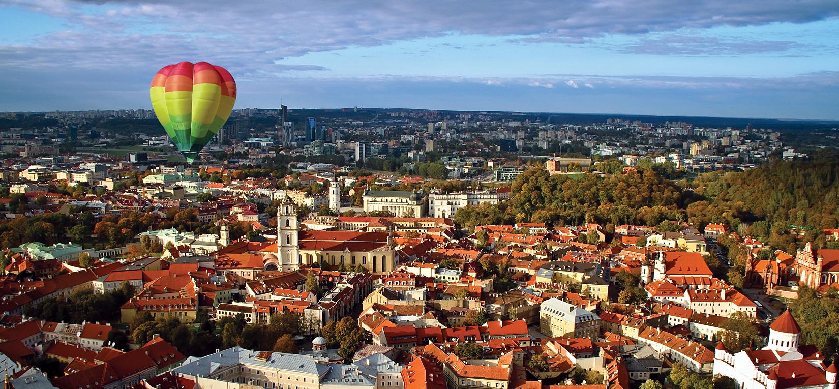 Воздушный шар над Вильнюсом