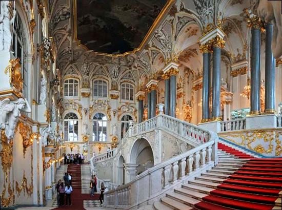 Внутреннее убранство Рундальского дворца