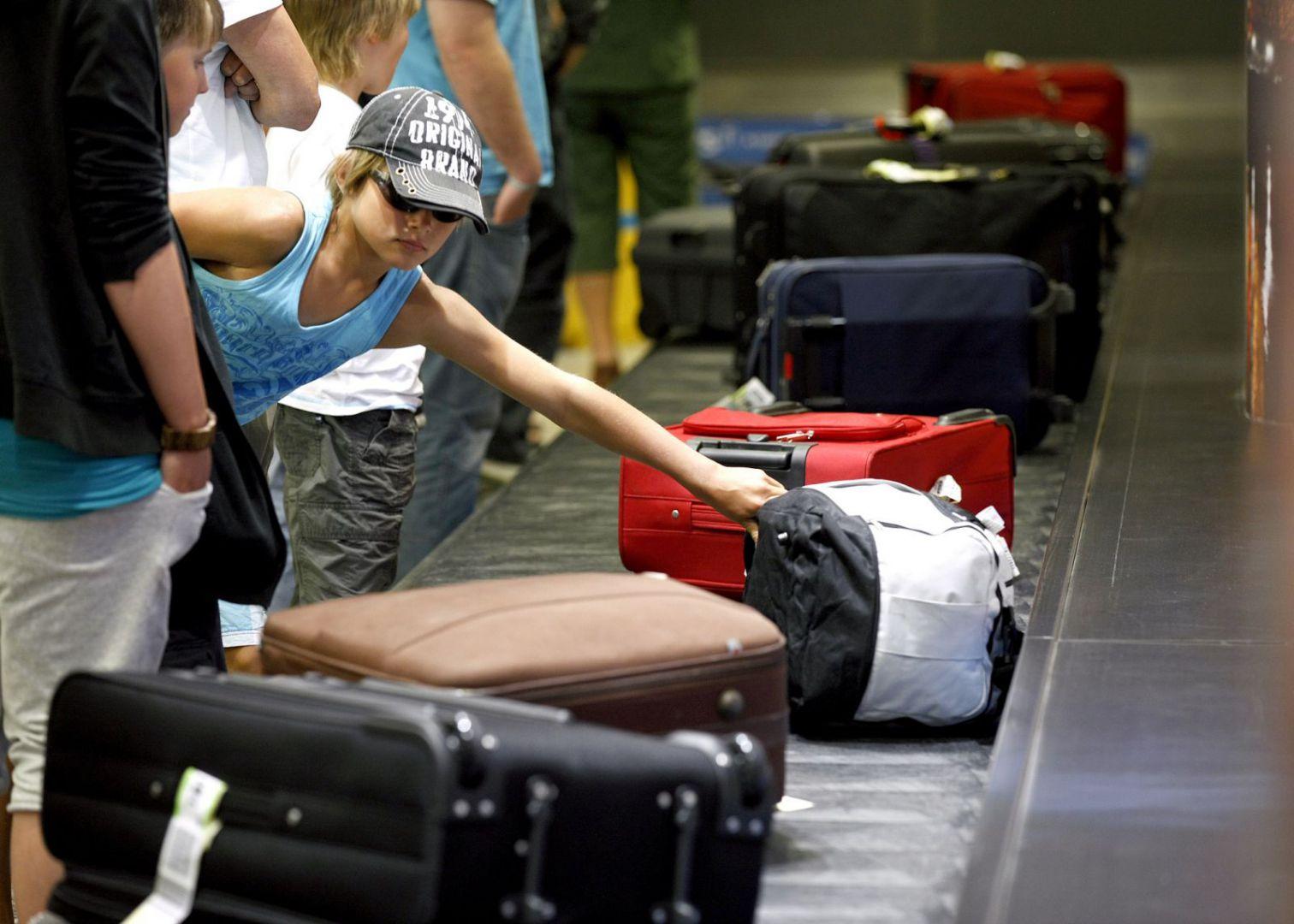самолет багаж