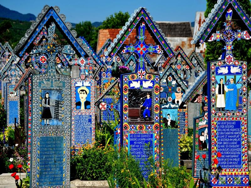 Веселое кладбище, село Сельнынца, Румыния