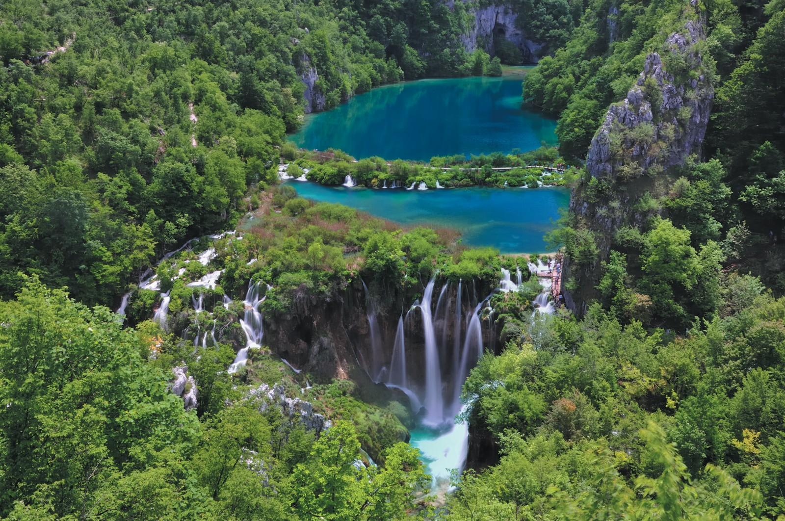 """Национальный парк """"Плитвицкие озера"""" находится под охраной ЮНЕСКО"""