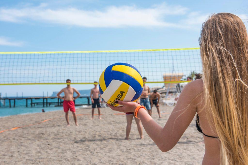 Пляжный волейбол в отеле Grand Park Kemer by Corendon