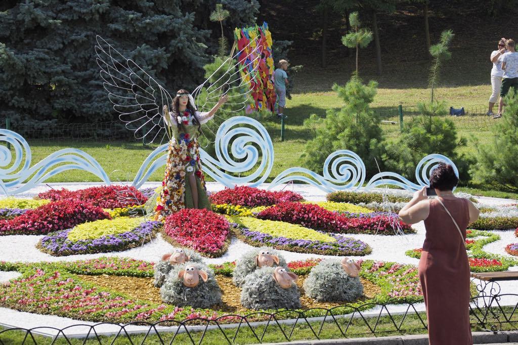 Выставка цветов «Волшебный украинский миф»