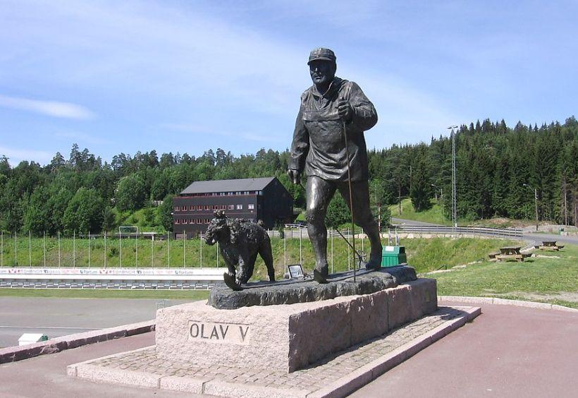 Памятник Олаву 5, Осло