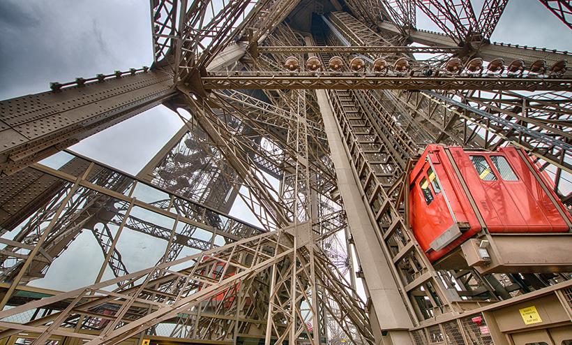 Лифт на Эйфелеву башню