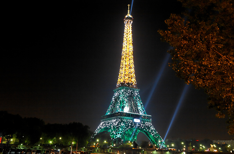 Подсветка Эйфелевой башни