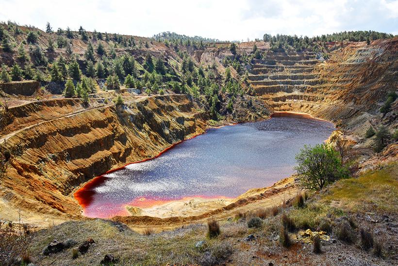 Червоне (Криваве) озеро. Мітсеро