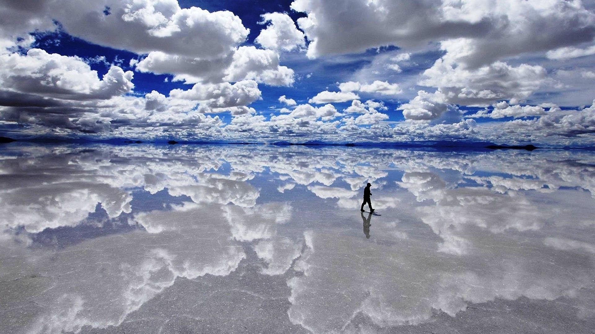 Дзеркальне озеро Уюні