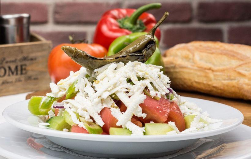 Традиционный шопский салат