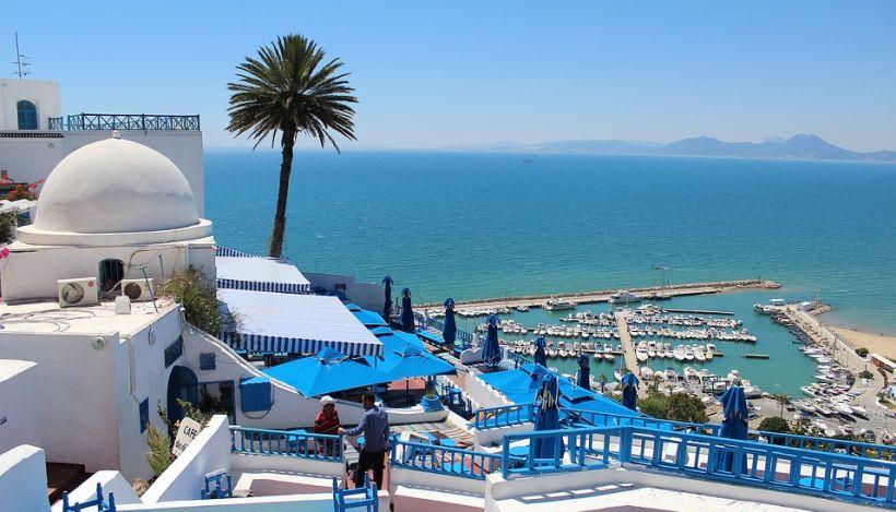 Тунис. сине-белый город