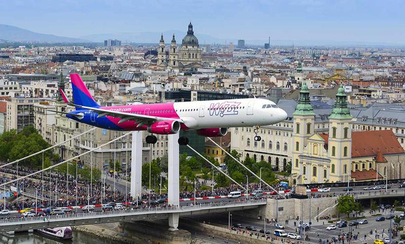 Самолет Wizz Air на авиашоу в Будапеште