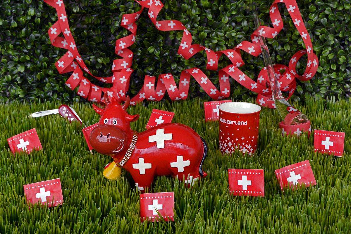 Сувениры из Швейцарии корова