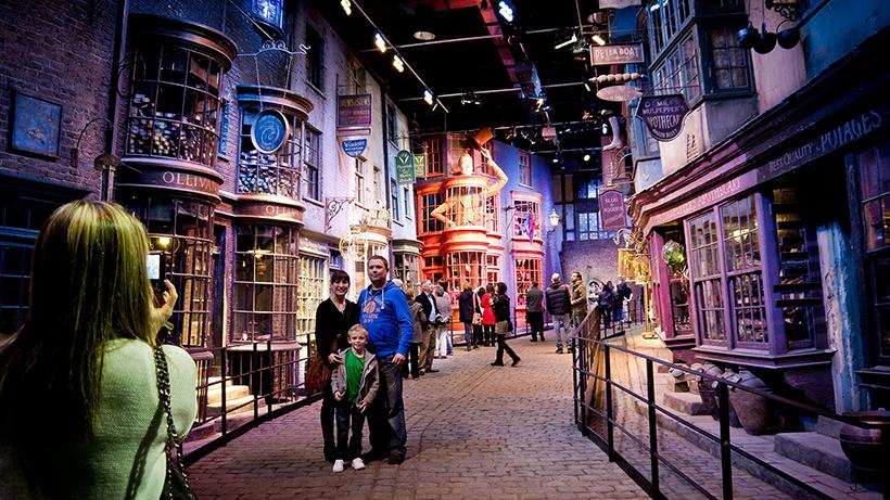 Павільйон Warner Bros. Studio, де проходили зйомки «Гаррі Поттера»