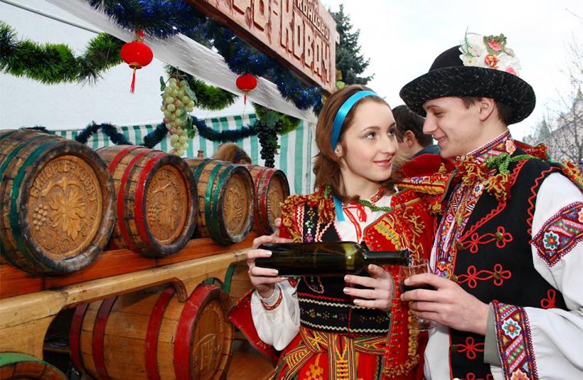 Фестиваль «Червене вино» в Мукачево