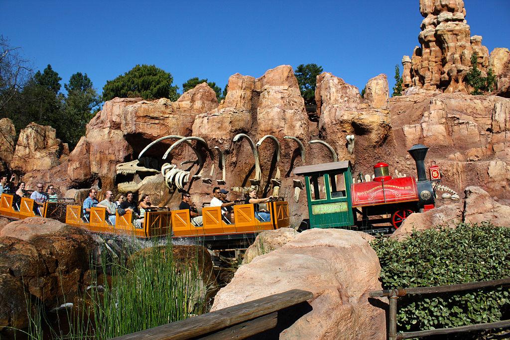 Аттаркционы в Disneyland