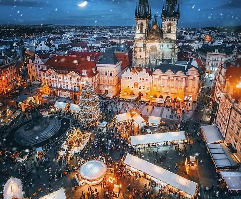 Староместская площадь на Рождество