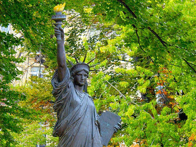 Статуя Свободы, Люксембургский сад