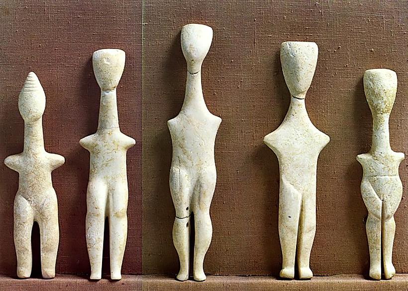 Выставка «Путешествие в кикладскую культуру» в Международном аэропорту Афин