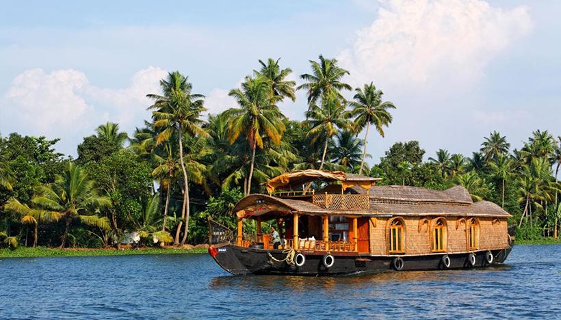 Плавучий отель (Boathouse) в Керале, Индия
