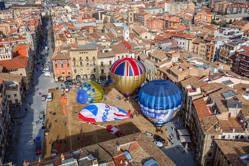 Полет на воздушном шаре над городом Вик, Каталония