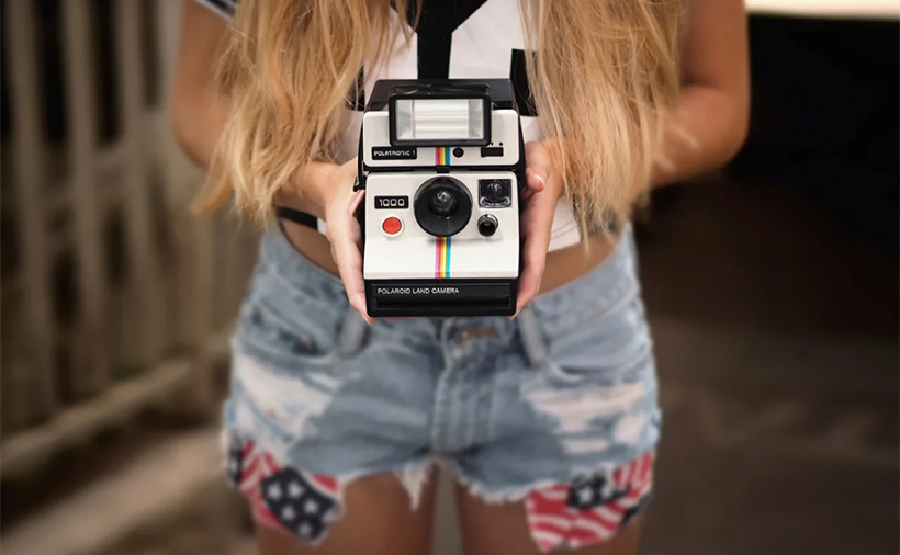 Полароидный фотоаппарат