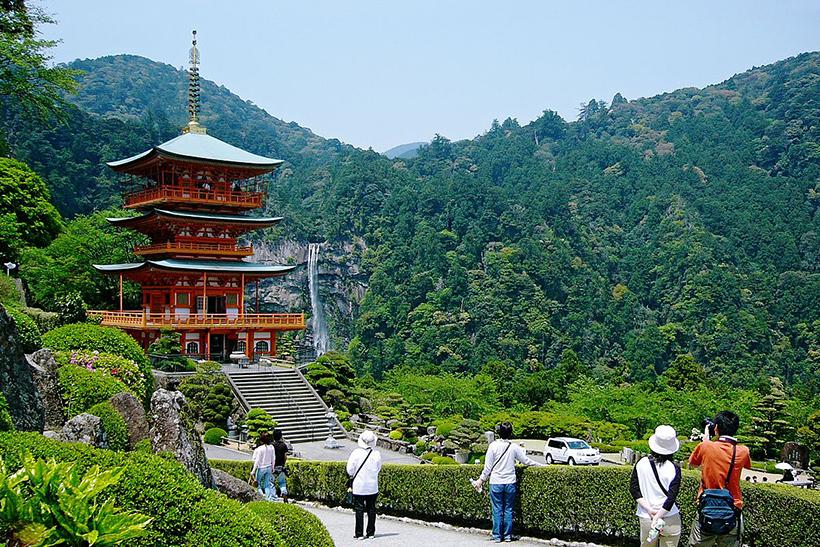 Храм Сэйганто дзи в Нати-Кацуура в Вакаяма