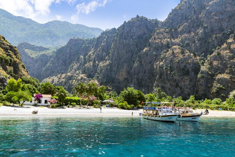 Пляж в Долине Бабочек (Турция)