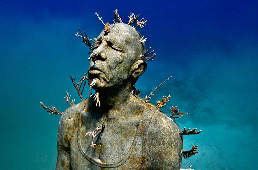Человек в огне. Подводный музей в Канкуне