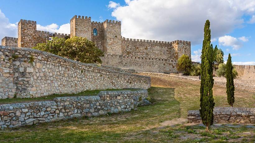 Замок Трухильо
