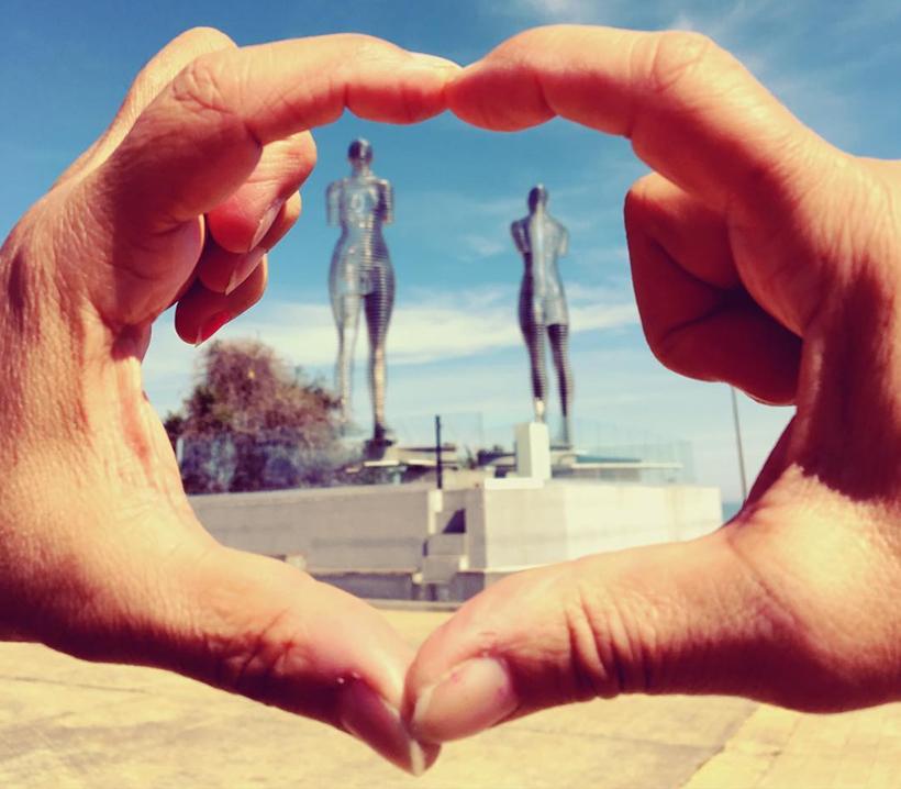 Скульптура Али и Нино в Батуми