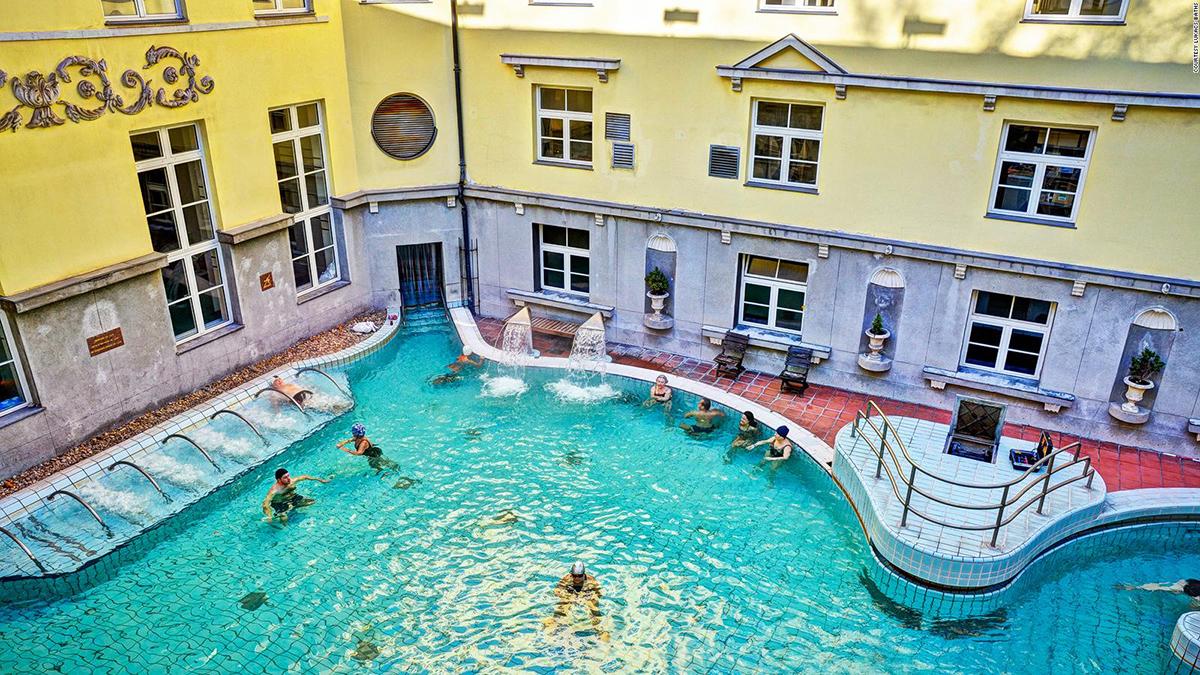 Купальня и бассейн Лукач