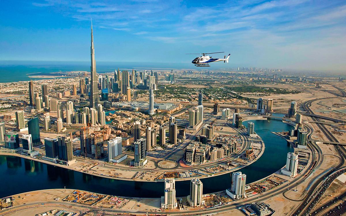 Полет на вертолете над Дубаи