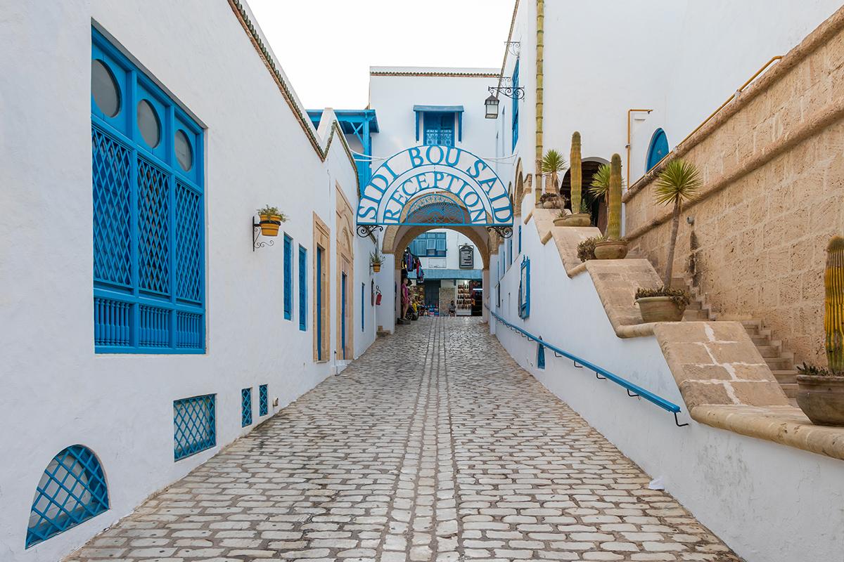 Улица в тунисском городе Ясмин Хаммамет, Тунис