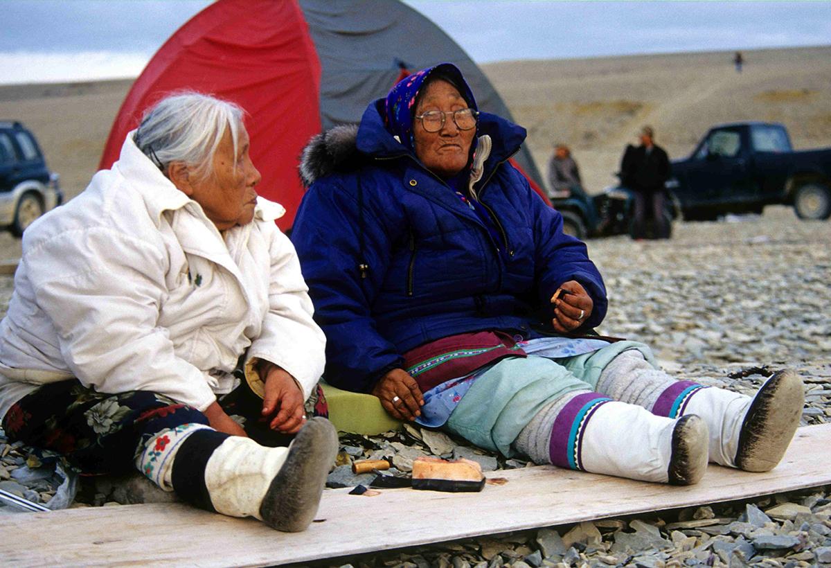 Эскимосы кушают мактак