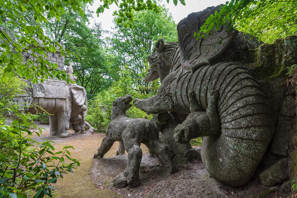 Парк чудовищ в Бомарцо