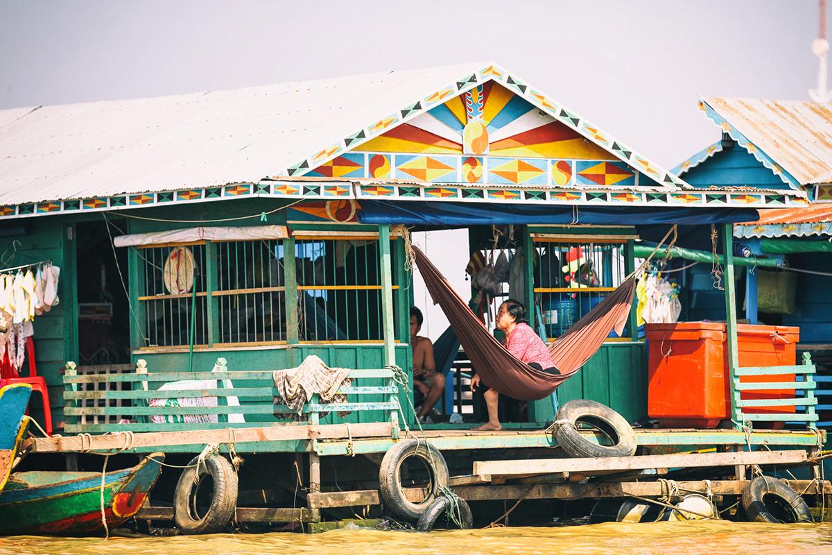 Будинки на палях в плаваючому селі Кампонг-Плук, озеро Тонлесап, провінція Сіем Ріп, Камбоджа