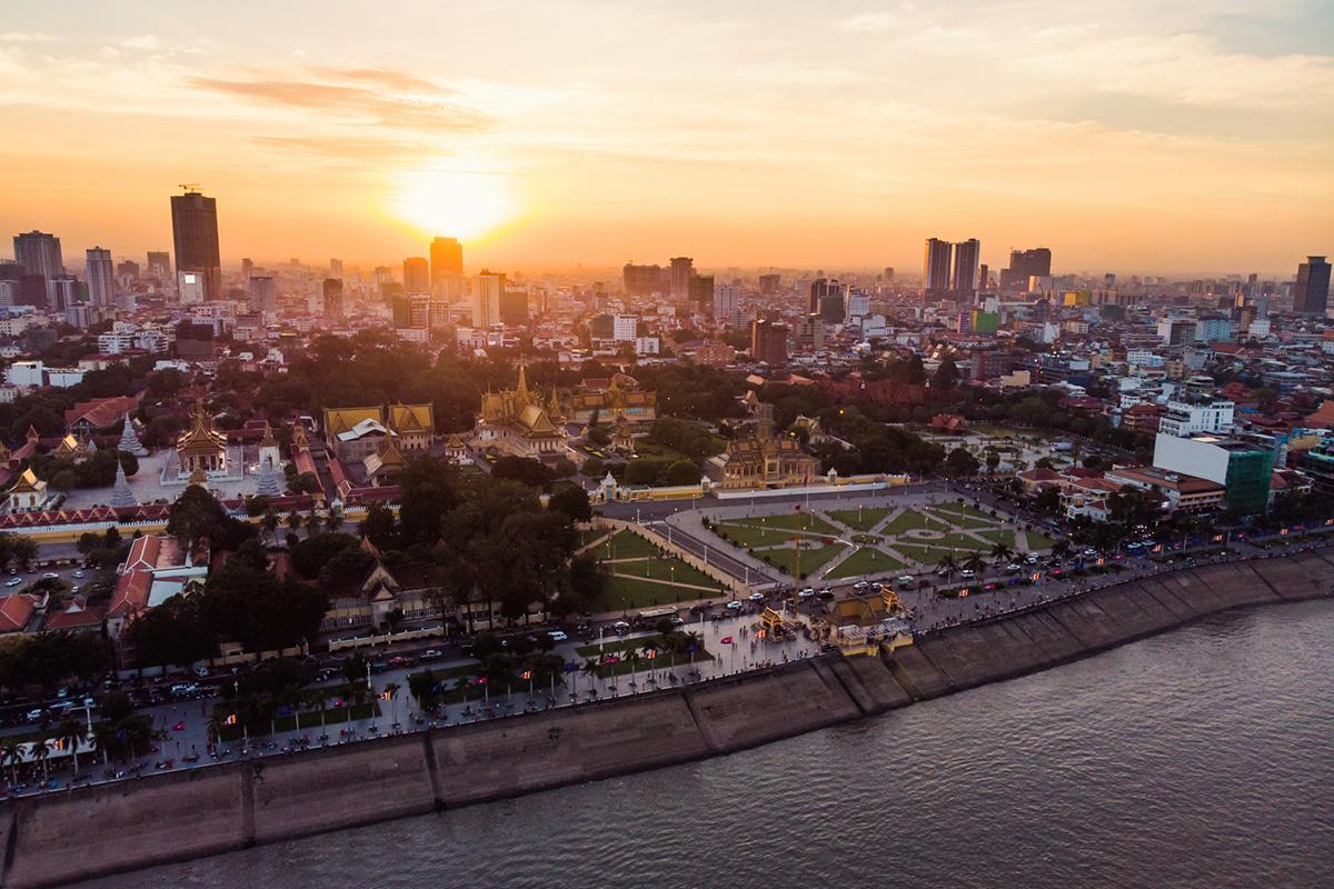 Вид зверху на столицю Камбоджі Пном Пен